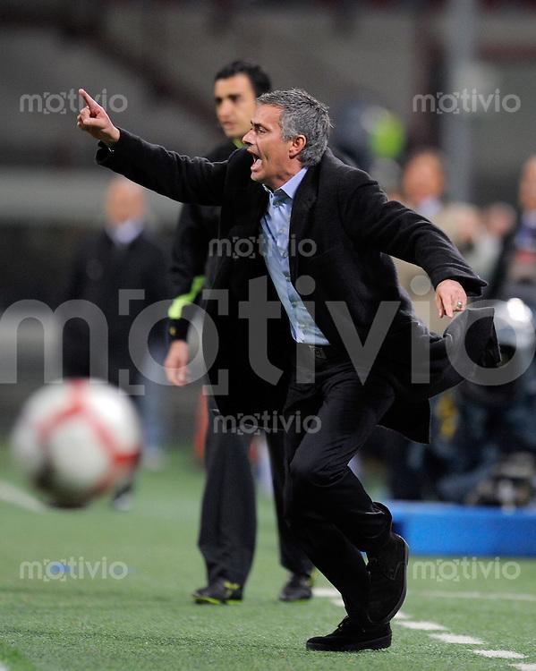 FUSSBALL INTERNATIONAL   SERIE A   SAISON 2009/2010    Inter Mailand -Juventus Turin       16.04.2010 Trainer Jose Mario Santos Mourinho (Inter)