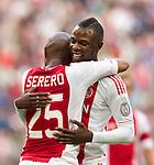 Nederland, Amsterdam, 21 juli 2012.Seizoen 2012/2013.Ajax-Celtic .Thulani Serero van Ajax scoort de 3-0. Rechts Jody Lukoki