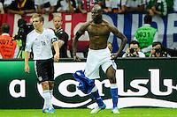 WARSAW, POLONIA, 28 JUNHO 2012 - EURO 2012 - ALEMANHA X ITALIA - Mario Balotelli comemora gol contra a Alemanha, em partida pelas semi-finais da Euro 2012 em Warsaw na Polonia nesta quinta-feira, 28. (FOTO: PIXATHLON / BRAZIL PHOTO PRESS).
