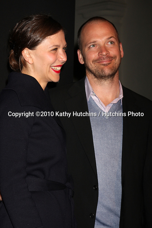 Maggie Gyllanhaal & Peter Sarsgaard .arriving at the 25th Santa Barbara International Film Festival Cinema Vanguard Awards.Lobero Theater.Santa Barbara, CA.February 12, 2010.©2010 Kathy Hutchins / Hutchins Photo....