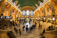 NOVA YORK, NY, EUA, 23.12.2014 - ESTAÇÃO GRAND CENTRAL  TERMINAL - Movimentação de passageiros e turistas na estação da Grand Central Terminal em Nova York, nesta terça-feira, 23. (Foto: William Volcov / Brazil Photo Press).