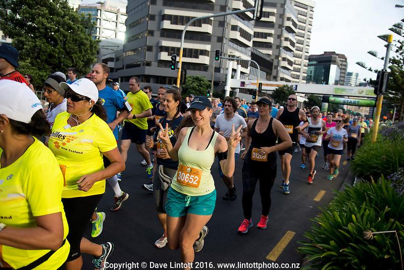 The 2016 Cigna Achilles Round The Bays half marathon, Bluebridge 10km and Fun Run & Walk. From Frank Kitts Park to Kilbirnie Park in Wellington, New Zealand on Sunday, 21 February 2016. Photo: Dave Lintott / lintottphoto.co.nz