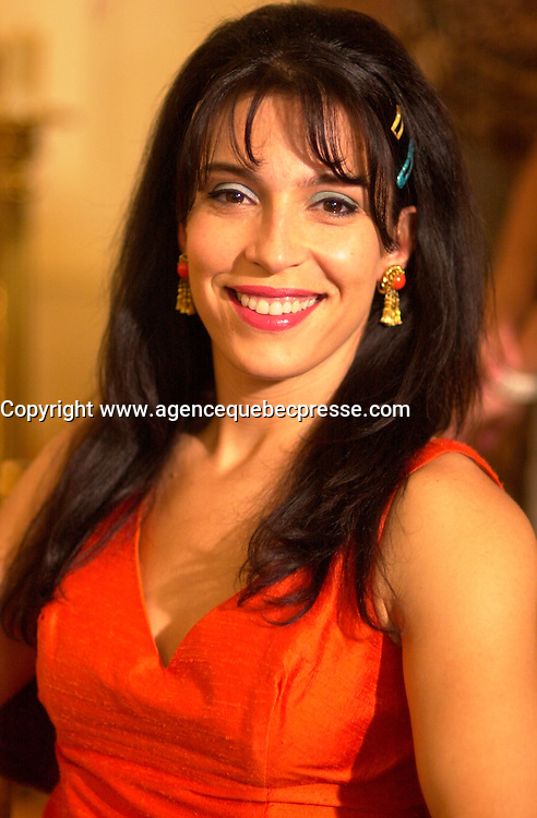 Claudia Ferri on<br />  the set of MAMBO ITALIANO ,Directed by Emile Gaudreault and co-written with Steve Galluccio , based on his  theater play.<br /> <br /> The son of Italian immigrants to Canada struggles to find the best way to reveal to his parents that he's gay<br /> <br /> photo : (c)  Images Distribution