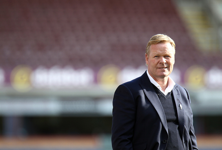 Everton manager Ronald Koeman surveys the pitch at Turf Moor, home of Burnley Football Club<br /> <br /> Photographer Rich Linley/CameraSport<br /> <br /> The Premier League - Burnley v Everton - Saturday 22nd October 2016 - Turf Moor - Burnley <br /> <br /> World Copyright &copy; 2016 CameraSport. All rights reserved. 43 Linden Ave. Countesthorpe. Leicester. England. LE8 5PG - Tel: +44 (0) 116 277 4147 - admin@camerasport.com - www.camerasport.com