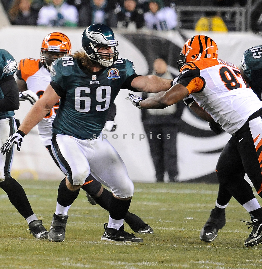 Philadelphia Eagles Evan Mathis (69) in action during a game against the Bengals on December 13, 2012 at Lincoln Financial Field in Philadelphia, PA. The Bengals beat the Eagles 34-13.