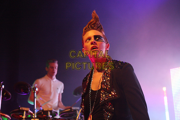 LA ROUX (Eleanor Jackson).Performing live at Shepherd's Bush Empire, London, England..November 26th, 2009.stage concert gig performance music half length black jacket embellished jewel encrusted collar hair mohawk make-up eye.CAP/MAR.© Martin Harris/Capital Pictures.