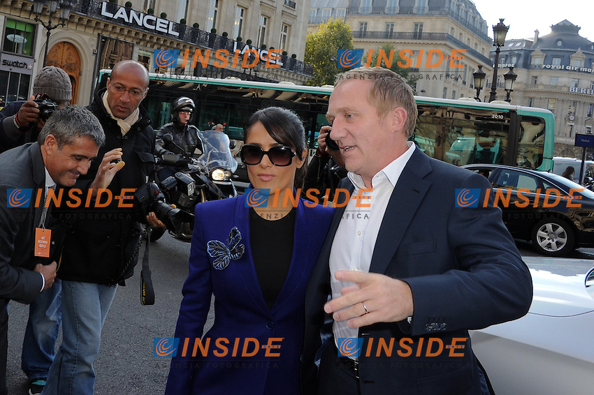Salma Hayek Et Francois Henri Pinault - Defile Stella McCartney Spring / Summer 2013 show as part of Paris Fashion Week at the Opera Garnier   .Parigi 1/10/2012.Parigi Fashion Week. Ospiti alla sfilata di Stella McCartney.Foto Lionel Urman / Panoramic / Insidefoto.ITALY ONLY