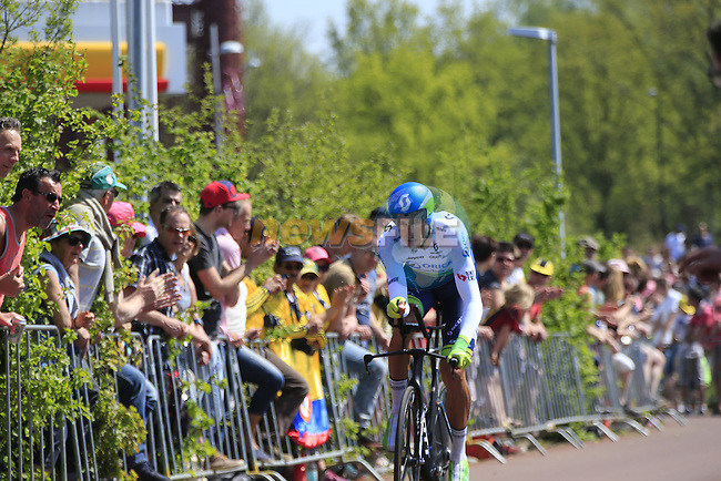 Ruben Plaza Molina (ESP) Orica GreenEdge in action during Stage 1 of the 2016 Giro d'Italia, an individual time trial of 9.8km around Apeldoorn, The Nethrerlands. 6th May 2016.<br /> Picture: Eoin Clarke | Newsfile<br /> <br /> <br /> All photos usage must carry mandatory copyright credit (&copy; Newsfile | Eoin Clarke)
