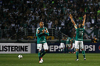ATENÇÃO EDITOR: FOTO EMBARGADA PARA VEÍCULOS INTERNACIONAIS - SÃO PAULO,SP,02 SETEMBRO 2012 - CAMPEONATO BRASILEIRO - PALMEIRAS x SPORT - jogador es do Palmeiras comemoram gol durante partida Palmeiras x Sport  válido pela 22º rodada do Campeonato Brasileiro no Estádio Paulo Machado de Carvalho (Pacaembu), na região oeste da capital paulista na noite desta quinta feira  (06).(FOTO: ALE VIANNA -BRAZIL PHOTO PRESS).