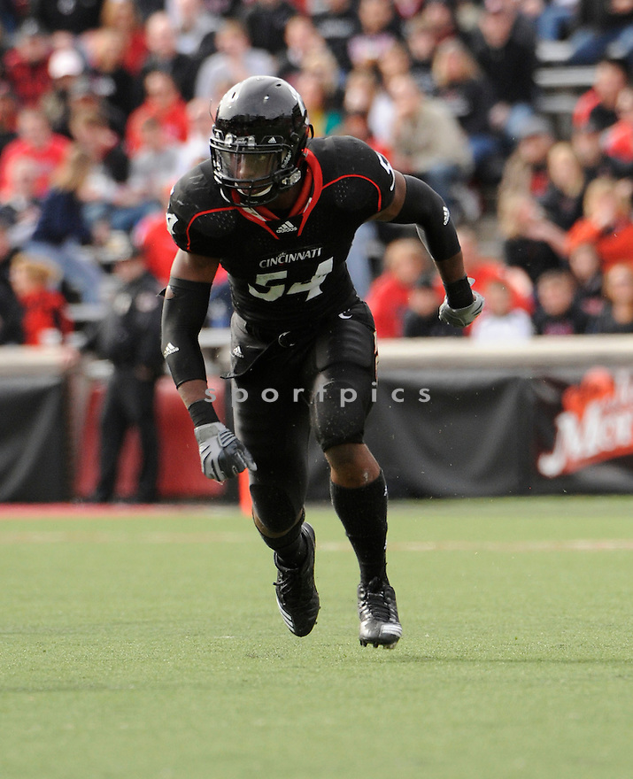 WALTER STEWART, in action during the Cincinnati Bearcats game against the Syracuse Orangemen on October 30, 2010, at Nippert Stadium in Cincinnati, Ohio...Syracuse won 31-7..