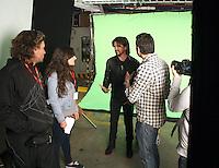El cantautor Colombiano Juanes rueda un comercial en apoyo de una jornada de vacunacion infantil  auspiciada por la cadena de almacenes Exito. ------------------------------EXCLUSIVE ------------------------------The Colombian writer singer Juanes shoots a commercial in support of a child vaccination campaign sponsored by the supermarkets chain 'Exito'. NORTEPHOTO.COM