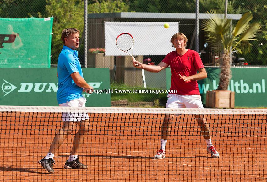 Netherlands, Amstelveen, August 22, 2015, Tennis,  National Veteran Championships, NVK, TV de Kegel,  Men's doubles<br /> Photo: Tennisimages/Henk Koster