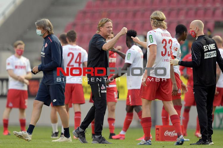 nph00351: Markus GISDOL (Trainer 1.FC Koeln) mit <br /> Sebastian BORNAUW  (1.FC Koeln),<br /> nach Spielende,,<br /> Sport: Fussball: 1. Bundesliga: Saison 19/20: 26.Spieltag: 1.FC KOELN-FSV MAINZ 05,17.05.2020.<br /> Foto: Anke Waelischmiller/SVEN SIMON/POOL / via Meuter/nordphoto<br /> <br /> Nur für journalistische Zwecke! Only for editorial use!<br /> Gemäß den Vorgaben der DFL Deutsche Fußball Liga ist es untersagt, in dem Stadion und/oder vom Spiel angefertigte Fotoaufnahmen in Form von Sequenzbildern und/oder videoähnlichen Fotostrecken zu verwerten bzw. verwerten zu lassen. DFL regulations prohibit any use of photographs as image sequences and/or quasi-video.