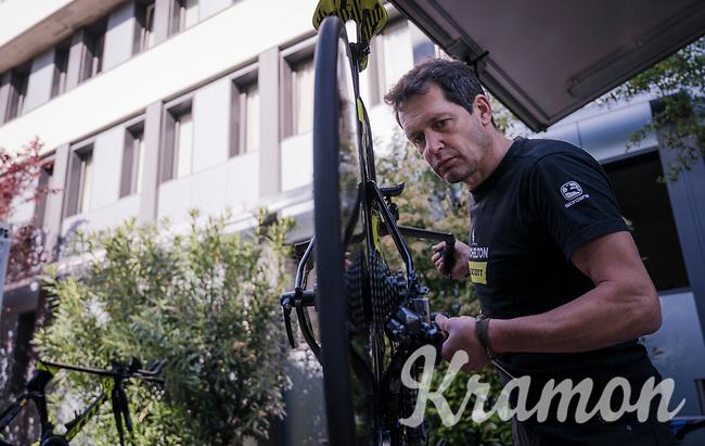 race preparations: mechanics at work the TT-bikes at Team Mitchelton-Scott ahead of the 102nd Giro d'Italia 2019<br /> <br /> ©kramon