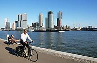 Nederland Rotterdam - 2017. De Maas en de Wilhelminapier.  Foto Berlinda van Dam / Hollandse Hoogte