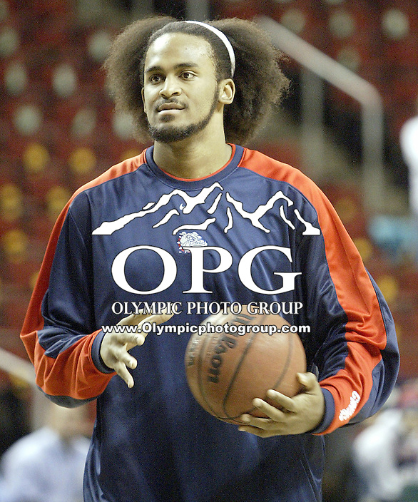 December 15, 2003:  Gonzaga Bulldogs  Ronny Turiaf warms up before the Battle in Seattle against third ranked Missouri in Key Arena. Gonzaga won the annual Battle in Seattle 87-80 held at Key Arena at Key Arena in Seattle, WA.