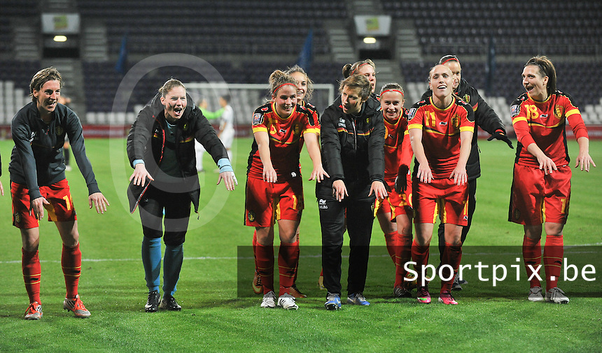 20131031 - ANTWERPEN , BELGIUM : Belgian team pictured celebrating the 4-1 win against Portugal after the female soccer match between Belgium and Portugal , on the fourth matchday in group 5 of the UEFA qualifying round to the FIFA Women World Cup in Canada 2015 at Het Kiel stadium , Antwerp . Thursday 31st October 2013. PHOTO DAVID CATRY