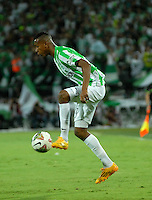 MEDELLIN- COLOMBIA – 03-12-2014: Johnatan Copete, jugador de Atletico Nacional de Colombia, en accion durante partido de ida de la final de la Copa Total Suramericana entre Atletico Nacional de Colombia y River Plate de Argentina en el estadio Atanasio Girardot de la ciudad de Medellin.  / Johnatan Copete,  player of Atletico Nacional of Colombia  in action of River Plate of Argentina during a match for the first leg of the final between Atletico Nacional of Colombia and River Plate of Argentina of the Copa Total Suramericana in the Atanasio Girardot stadium, in Medellin city. Photo: VizzorImage / Luis Ramirez/ Staff.