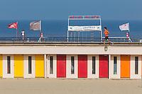 France, Pas-de-Calais (62), côte d'Opale, Le Touquet, cabines de plage et front de  mer // France, Pas de Calais, Cote d'Opale, Le Touquet, beach huts and waterfront