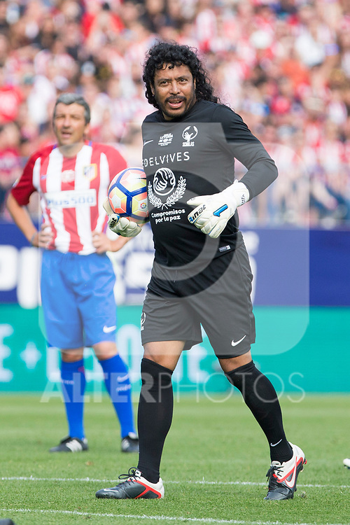 Rene Higuita during the last match to be played by Atletico de Madrid at Vicente Calderon Stadium in Madrid, May 28, 2017. Spain.. (ALTERPHOTOS/Rodrigo Jimenez)