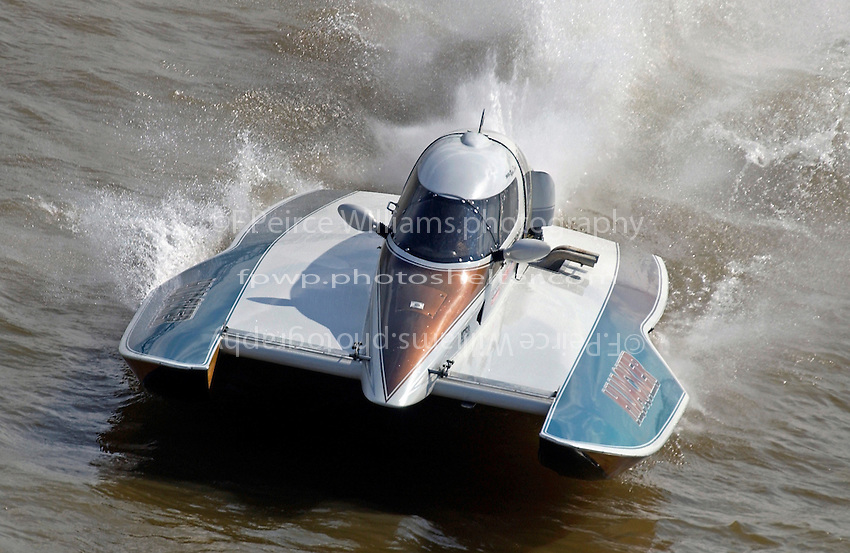 "Robin Shane, T-14 ""Hijacker"" (1 Litre Stock hydroplane)"
