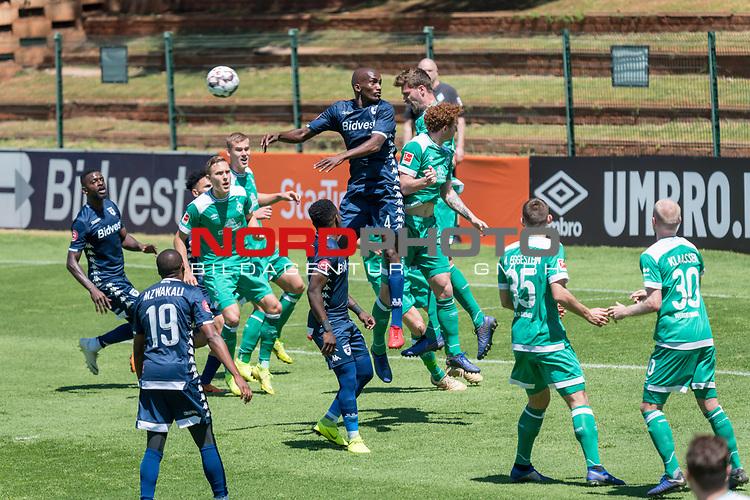 11.01.2019, Bidvest Stadion, Braampark, Johannesburg, RSA, FSP, SV Werder Bremen (GER) vs Bidvest Wits FC (ZA)<br /> <br /> im Bild / picture shows <br /> Abwehr Sebastian Langkamp (Werder Bremen #15)<br /> Joshua Sargent (Werder Bremen #19)<br /> Ludwig Augustinsson (Werder Bremen #05)<br /> <br /> Foto &copy; nordphoto / Kokenge
