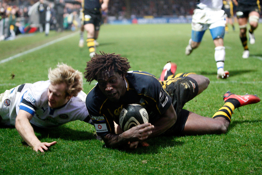 Photo: Richard Lane/Richard Lane Photography..London Wasps v Bath Rugby. Guinness Premiership. 29/12/2007. .Wasps' Paul Sackey touches down for his second try.