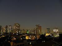 SAO PAULO - SP -  16 DE JULHO DE 2013 - CLIMA/TEMPO, noite com poucas nuvens e previsão de 13°C, na capital. FOTO: MAURICIO CAMARGO / BRAZIL PHOTO PRESS.