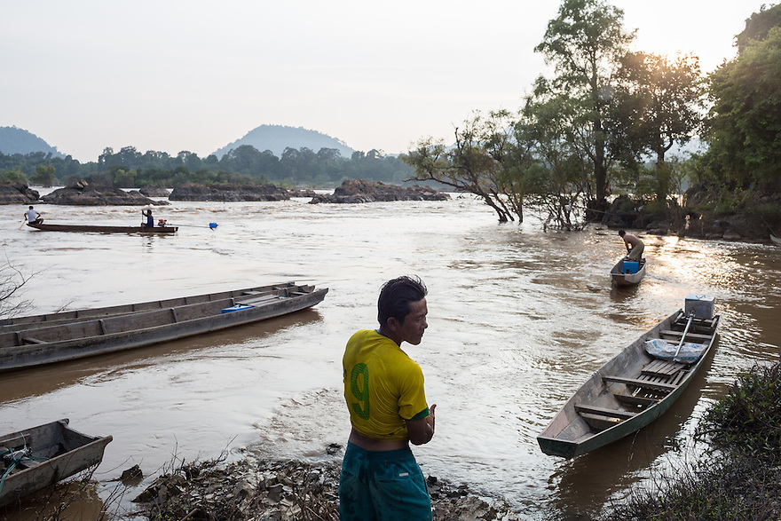 Oct. 10, 2016 - Don Sahong, Laos. A fishermen on the Mekong River. © Nicolas Axelrod / Ruom