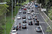 SAO PAULO, SP 11/06/2014 - TRANSITO 23 DE MAIO _ Trânsito na Avenida 23 de Maio sentido centro da cidade de Sao Paulo na tarde desta sexta-feira13. <br /> (Kevin David/Brazil Photo Press)