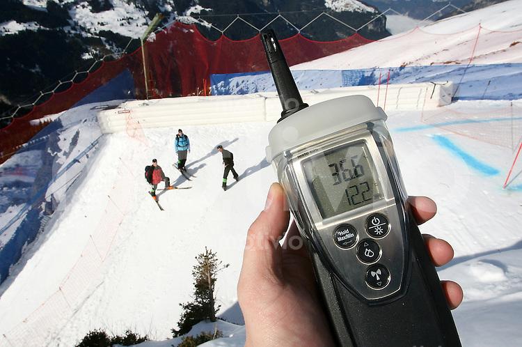 Ski Alpin; Saison 2006/2007  77. Weltcup Abfahrt Herren Training der Lauberhornabfahrt wird abgesagt Zur Rennzeit um 12.35 Uhr hat es am Hundschofsprung auf 2000 Meter 12.2 C und 36,6 Luftfeuchtigkeit.