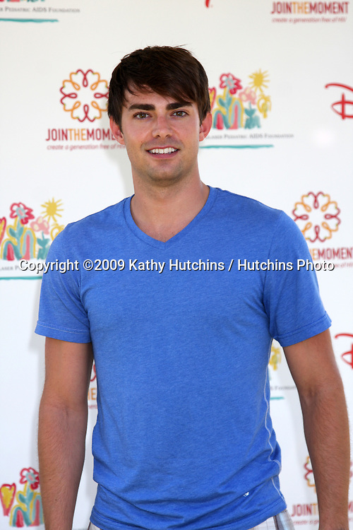 """Jonathan Bennett  arriving at the """"A Time For Heroes Celebrity Carnival"""" benefiting the Elizabeth Glaser Pediatrics AIDS Foundation at the Wadsworth Theater Grounds in Westwood , CA on June 7, 2009 .©2009 Kathy Hutchins / Hutchins Photo.."""