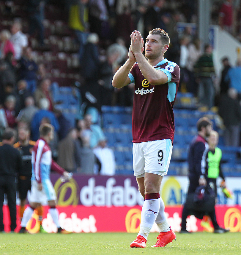 Burnley's Sam Vokes applauds the fans at the final whistle<br /> <br /> Photographer Rich Linley/CameraSport<br /> <br /> The Premier League - Burnley v Hull City - Saturday 10th September 2016 - Turf Moor - Burnley<br /> <br /> World Copyright &copy; 2016 CameraSport. All rights reserved. 43 Linden Ave. Countesthorpe. Leicester. England. LE8 5PG - Tel: +44 (0) 116 277 4147 - admin@camerasport.com - www.camerasport.com
