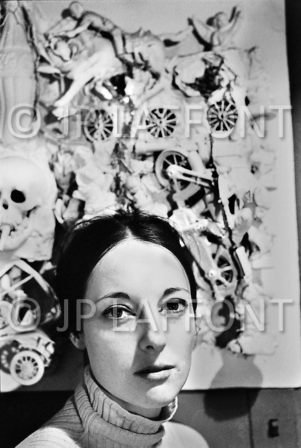 "April 1967. Manhattan, New York. France Raysse wife and muse of french artist Martial Raysse in her apartment in NYC. Martial developed what became his ""vision hygiene"" concept: a vision that showcases consumer society."