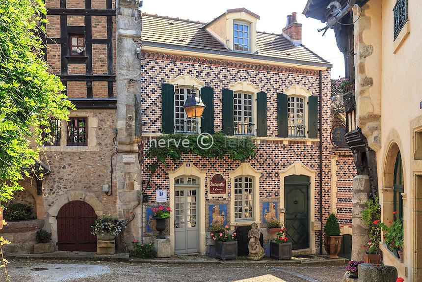 France, Saône-et-Loire (71), Bourbon-Lancy, dans le Vieux Quartier // France, Saone et Loire, Bourbon Lancy, in the Old Quarter