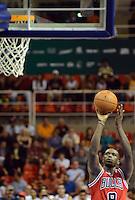 RIO DE JANEIRO RJ, 12.10.2013 - Chicago Bulls vs. Washington Wizards  - Mike James  do  Chicago Bulls  durante partida contra o Wizards  válida pela pré-temporada da NBA 2013/2014  no HSBC ARENA  na cidade do Rio de Janeiro , neste sabado, 12. (FOTO: ALAN MORICI / BRAZIL PHOTO PRESS)