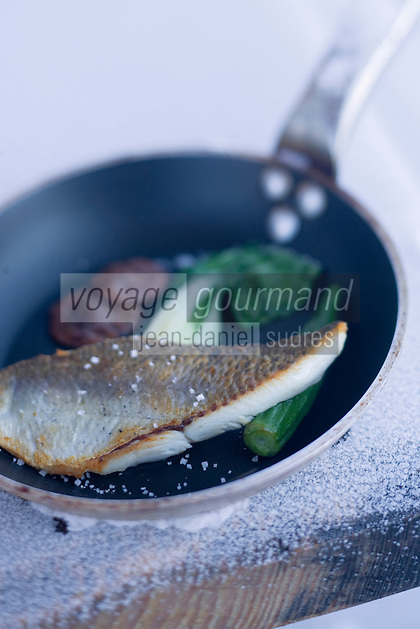 """Europe/France/Rhône-Alpes/73/Savoie/Beaufortain/Hauteluce: Féra du Léman et légumes thaïs Recette  de Cyril Suet Chef de  Hotel-Restaurant """"La Ferme du Chozal"""""""