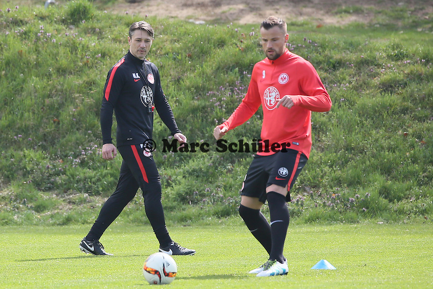 Trainer Niko Kovac mit Haris Seferovic- Eintracht Frankfurt Training, Commerzbank Arena