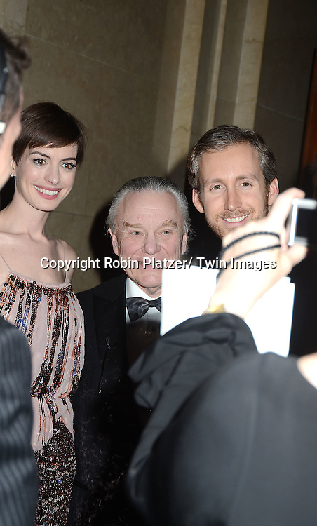 Anne Hathaway and husband Adam Shulman attends the Museum of the Moving Image Salute to Hugh Jackman on December 11,2 012 at Cipriani Wall Street in New York City.