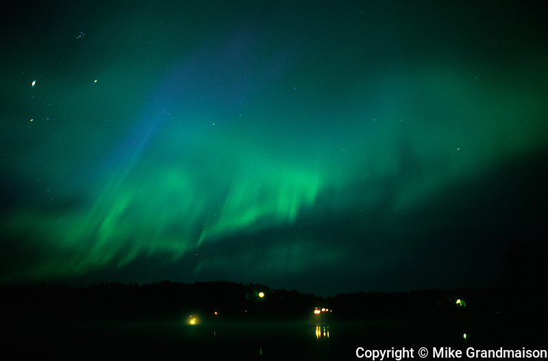 Northern lights (Aurora borealis) at Tilton Lake<br />