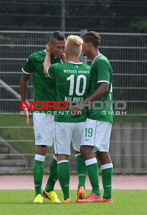 18.08.2013, Platz 11, Bremen, GER, RLN, Werder Bremen II vs SV Eichede, im Bild Jubel bei Werder nach dem 3:2<br /> <br /> Foto &copy; nph / Frisch