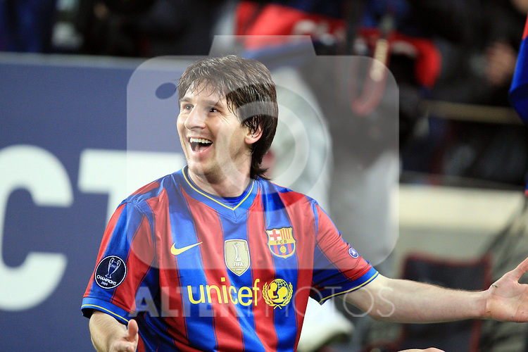 Lionel Messi celebrates scoring the second goal during the UEFA Champions League quarter final second leg match between Barcelona and Arsenal at Camp Nou on April 6, 2010 in Barcelona, Spain.