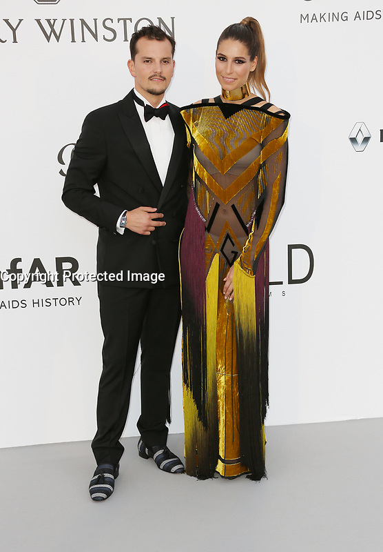 LAURY THILLEMAN ET JUAN ARBELAEZ<br /> amfAR Gala Cannes 2017 - Arrivals<br /> CAP D'ANTIBES, FRANCE - MAY 25 arrives at the amfAR Gala Cannes 2017 at Hotel du Cap-Eden-Roc on May 25, 2017 in Cap d'Antibes, France