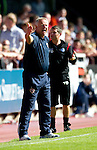 Hearts v St Johnstone...14.08.10  .Jim Jefferies shouts at his players.Picture by Graeme Hart..Copyright Perthshire Picture Agency.Tel: 01738 623350  Mobile: 07990 594431