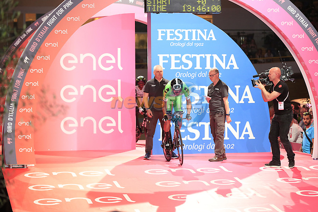 Mirco Maestri (ITA) Bardiana CSF powers off the start ramp of Stage 1 of the 2016 Giro d'Italia, an individual time trial of 9.8km around Apeldoorn, The Nethrerlands. 6th May 2016.<br /> Picture: Eoin Clarke | Newsfile<br /> <br /> <br /> All photos usage must carry mandatory copyright credit (&copy; Newsfile | Eoin Clarke)