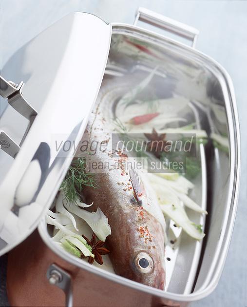 Cuisine/Gastronomie: Cuisson à la vapeur d'un merlan brillant à la vapeur d'anis