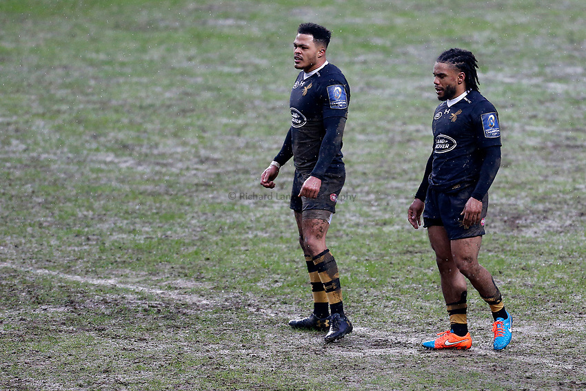 Photo: Richard Lane/Richard Lane Photography. Wasps v Ulster Rugby.  European Rugby Champions Cup. 21/01/2018. Wasps' centres, Juan De Jongh and Kyle Eastmond.