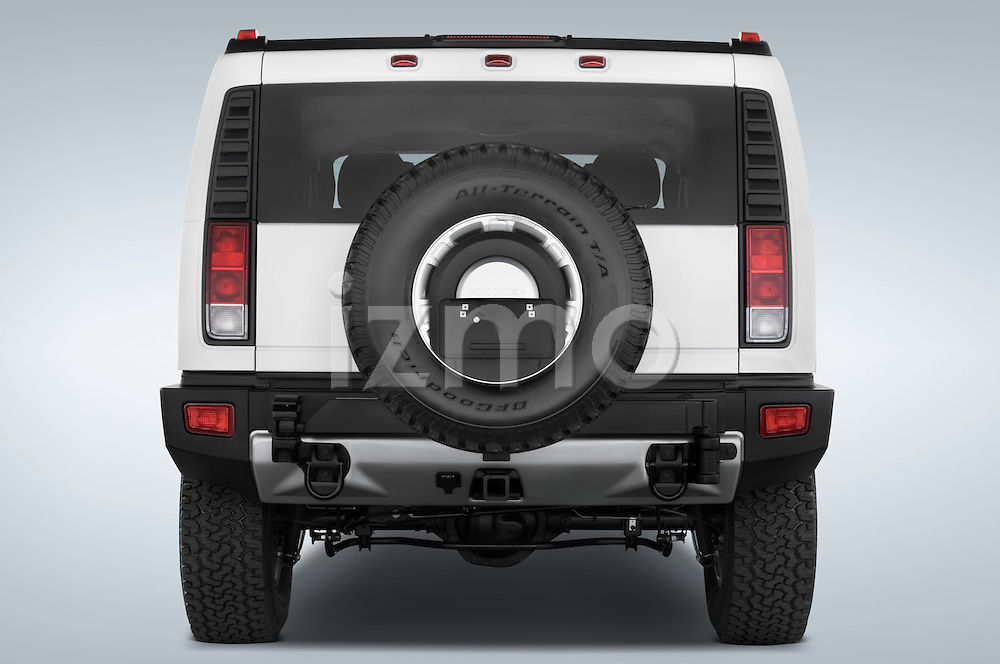 Straight rear view of a 2008 Hummer H2 SUV