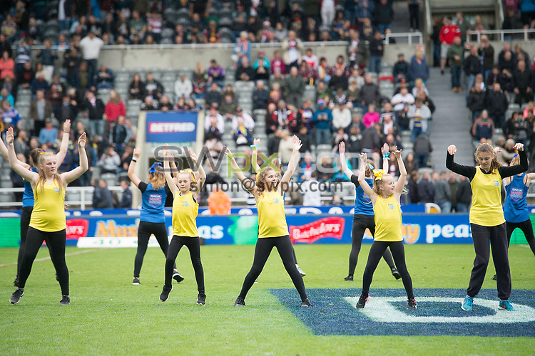 Picture by Allan McKenzie/SWpix.com - 20/05/2017 - Rugby League - Dacia Magic Weekend - St James' Park, Newcastle, England - The brief, Momentum Dance.