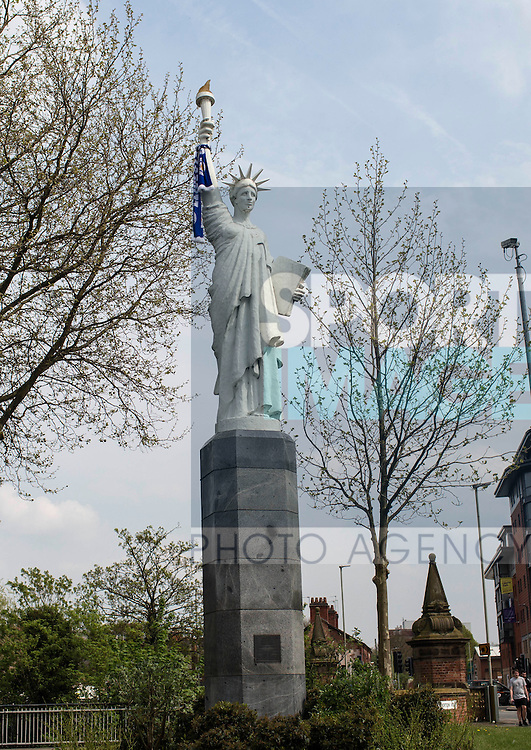 A Leicester scarf is hung on the Statue of Liberty before the Barclays Premier League match at the King Power Stadium.  Photo credit should read: David Klein/Sportimage